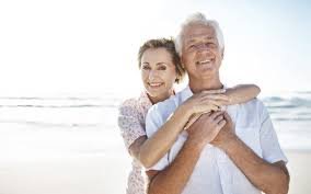 couple seniors heureux